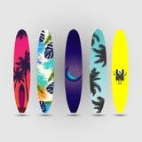 Surfingbrädasommaruppsättning Arkivbild