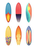 Surfingbrädauppsättning av olika retro färger Isolat för vektorsportillustration på vit bakgrund Arkivbild