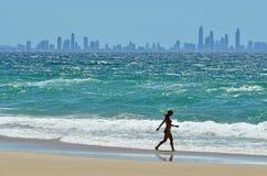 Surfingowa raju linia horyzontu - złoto Brzegowy Queensland Australia Fotografia Stock