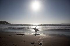 Surfingowiec sylwetka zdjęcia stock