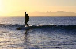 Surfista accomodante Fotografia Stock Libera da Diritti