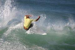 Surfista amarelo Foto de Stock Royalty Free