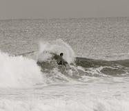 Surfista bianco e nero Immagini Stock Libere da Diritti