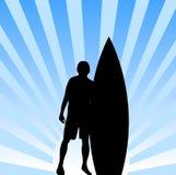 Surfista con la priorità bassa della scheda Fotografia Stock