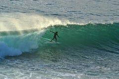 Surfista della siluetta fotografia stock libera da diritti