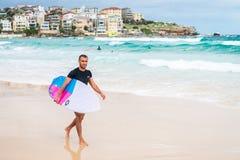 Surfista della spiaggia di Bondi Fotografie Stock