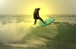 Surfista di tramonto Immagini Stock Libere da Diritti