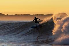 Surfista do alvorecer Fotografia de Stock Royalty Free