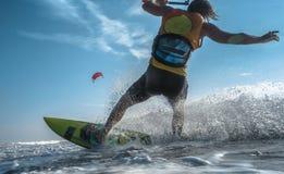 Surfista do papagaio Boarding imagem de stock