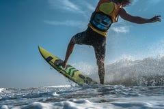Surfista do papagaio Boarding fotos de stock royalty free