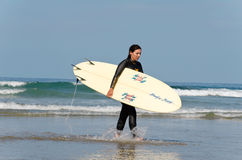 Surfista femminile Fotografia Stock Libera da Diritti