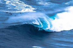 Surfista grande da onda Imagens de Stock Royalty Free
