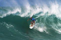 Surfista Greg Emslie che pratica il surfing al Backdoor immagini stock libere da diritti