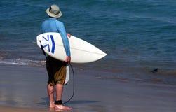 Surfista na praia do bondi Fotos de Stock Royalty Free