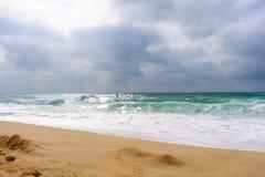 Surfista na praia (escala) de Hossegor - Landes (amarra) Imagens de Stock