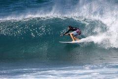 Surfista nel ricciolo Fotografie Stock Libere da Diritti