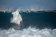 Surfista nella grande onda immagine stock libera da diritti