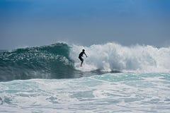 Surfista sulla spiaggia vicino a Puerto Viejo, Costa Rica Fotografie Stock