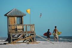Surfistas Fotos de Stock