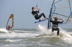 Surfistas do vento e do papagaio Foto de Stock