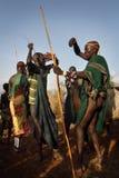 Suri dansare i södra Omo, Etiopien Arkivfoto