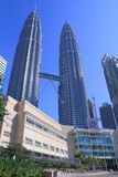SURIA KLCC Shopping Mall and Petronas twin towers Royalty Free Stock Images