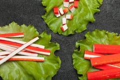 Surimi开胃菜,卵蛋白仿制螃蟹棍子 免版税库存照片