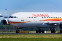 Surinam Airways jorra na decolagem Imagens de Stock