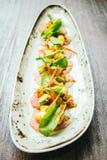 Surowa świeża tuńczyka rybiego mięsa sałatka z avocado i mango Zdjęcie Royalty Free