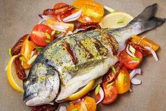Surowa cała dennego leszcza ryba i warzywo składniki Obrazy Royalty Free