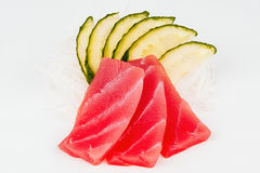 Surowa tuńczyk ryba z ogórkiem Fotografia Stock