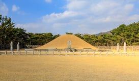 Surowangneung, tombe du Roi Suro, qui est un endroit de conservation d'héritage dans la ville de Gimhae photos stock
