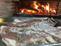 surowe kotlety żebra carpaccio kuchni doskonale stylu życia, jedzenie luksus włoski zdjęcie royalty free