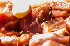 Surowego mięsa cięcie w kawałki, wieprzowina przygotowywał dla gotować, czerwony mięso Zdjęcie Stock