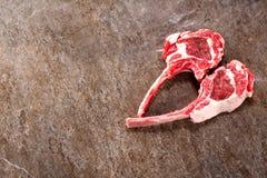 Surowego mięsa jagnięcy kotleciki zdjęcia stock
