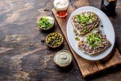 Surowego mięsa kanapki CRUDO VALDIVIANO tipical chilean jedzenie od regionu Valdivia Chilijski jedzenie, aleman jedzenie winnik Obrazy Stock