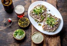 Surowego mięsa kanapki CRUDO VALDIVIANO tipical chilean jedzenie od regionu Valdivia Chilijski jedzenie, aleman jedzenie winnik Obraz Stock
