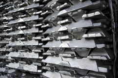 surowi aluminiowi ingots Fotografia Stock