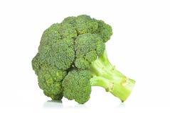 Surowi brokuły odizolowywający na białym tle zdjęcia royalty free