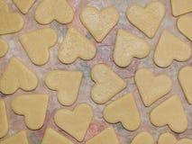Surowi ciastka w formie serc zdjęcie stock