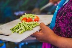 Surowi Siekający warzywa na ciapanie desce Fotografia Royalty Free