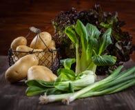 Surowi warzywa z pikantność obrazy stock