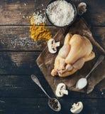 Surowy kurczak z podprawą i ryż fotografia royalty free