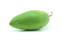 Surowy mango z trzonem na bielu Fotografia Stock