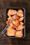 Surowy Marynowany kurczak dla BBQ fotografia royalty free