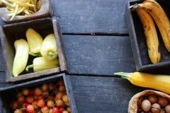 Surowy Organicznie Żółty Zucchini kosmos kopii Zdjęcie Royalty Free