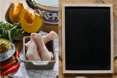 Surowy składnik dla kucbarskiego kurczaka curry'ego (Tajlandzki jedzenie) Obrazy Stock