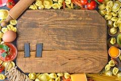 Surowy tortellini i pierożek Fotografia Stock