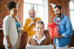 Surprise d'anniversaire image stock