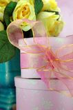 Surprise rose de cadeau Images libres de droits
